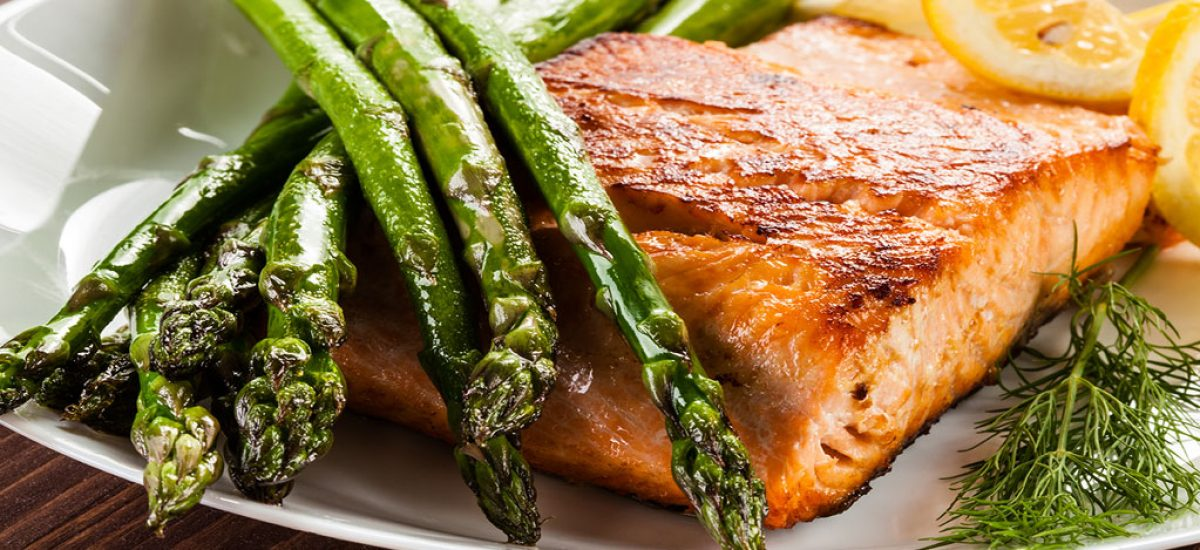 Lemon-Garlic Salmon Fillet With Asparagus